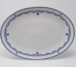 Grand plat ovale République 35 cm 90 euros